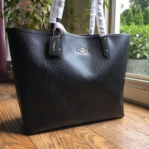 NWT, COACH REVERSIBLE CITY TOTE  #F36609